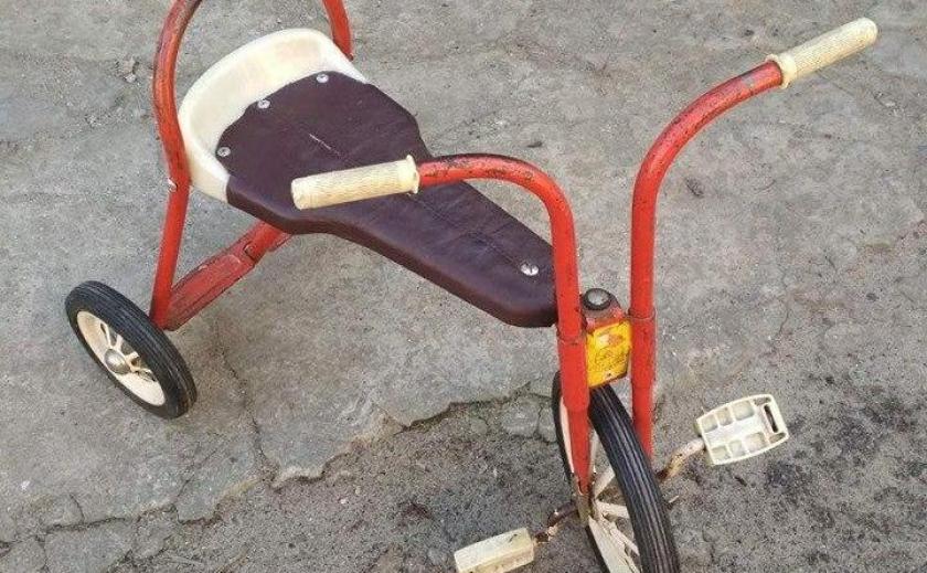 В Днепре обнаружен антикварный велосипед производства ЮМЗ