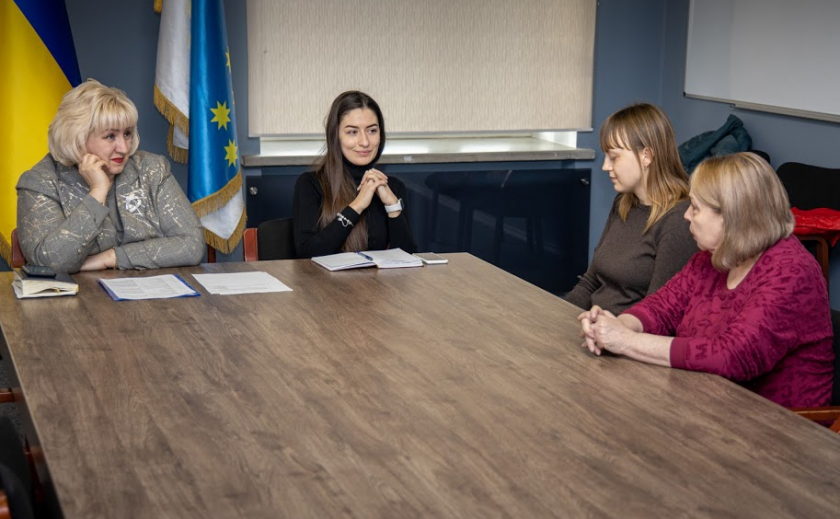 На Днепропетровщине стажер разберется с национальностями и религиями