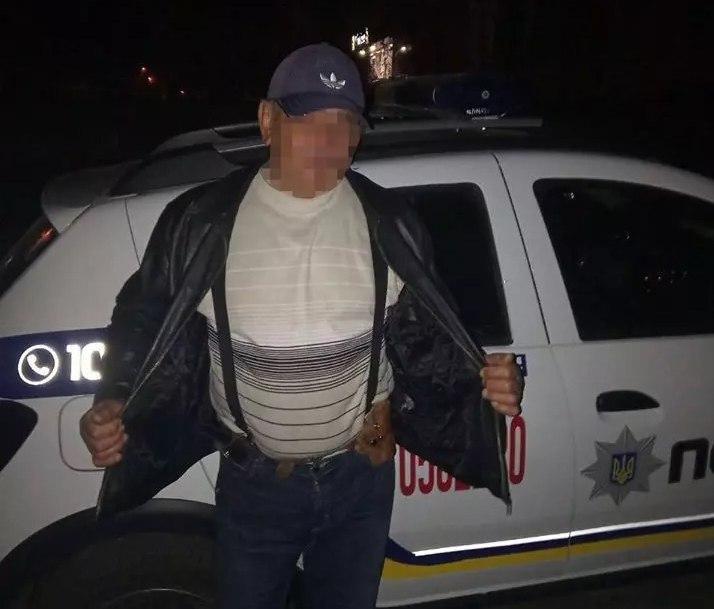 В Никополе агрессивный пенсионер стрелял в прохожего
