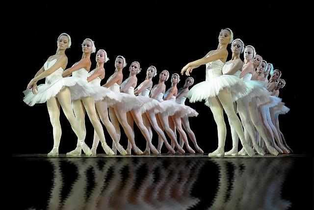 Днепровские балерины ликуют из-за культурного освобождения