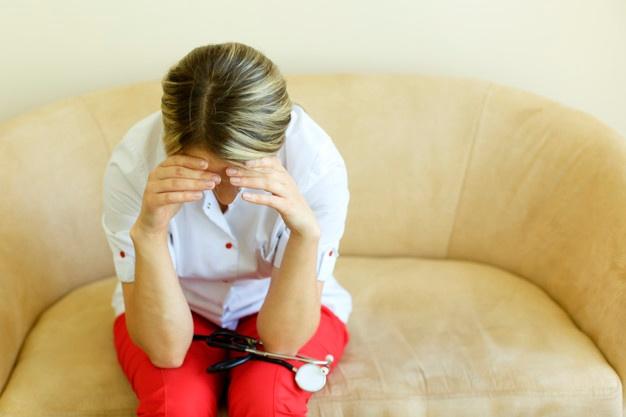 В Днепре медсёстры живут в больничных палатах