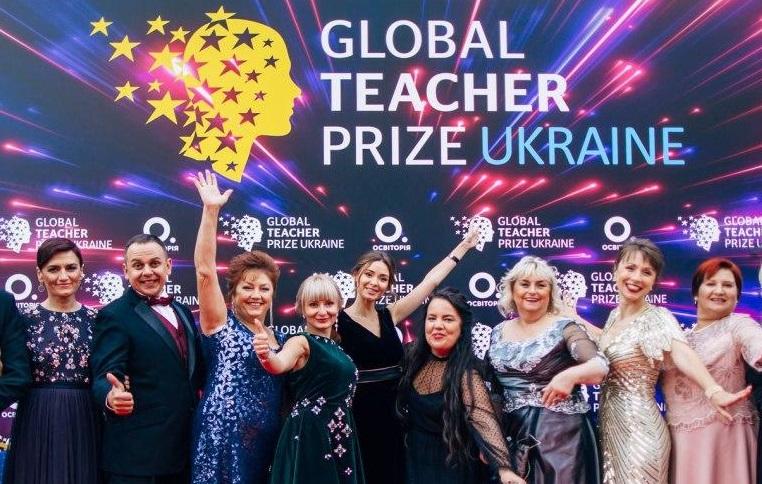 На Днепропетровщине власть попросила учителей откинуть излишнюю скромность за 250 тысяч