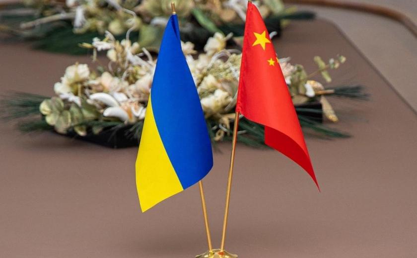 Не успевших улететь китайцев отправят из Днепра на родину