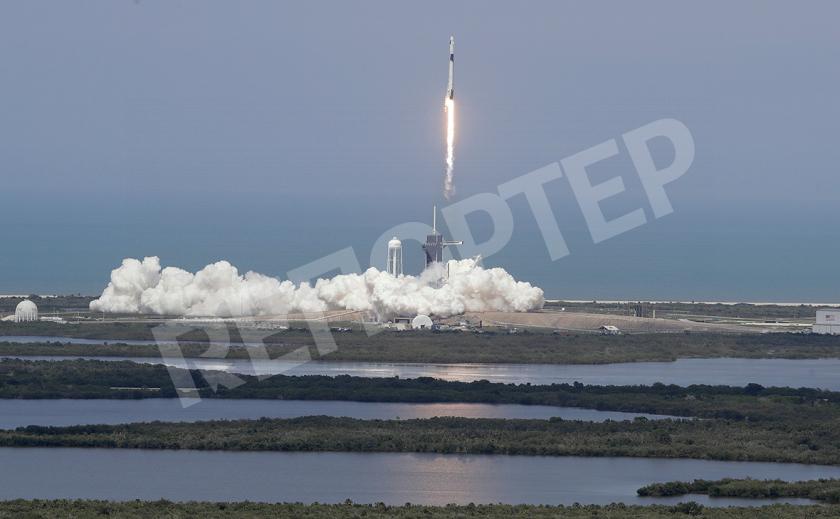 Илон Маск запустил в космос пилотируемый корабль к МКС