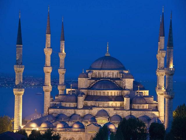 Планета отмечает Всемирный день мусульманской культуры, мира, диалога и кино