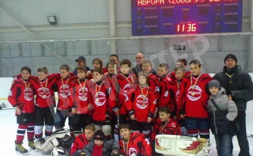 Юные хоккеисты из Днепра стали чемпионами Украины