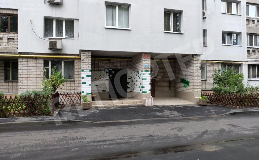 В Днепре затопило многоэтажку, а коммунальщики не шевелятся