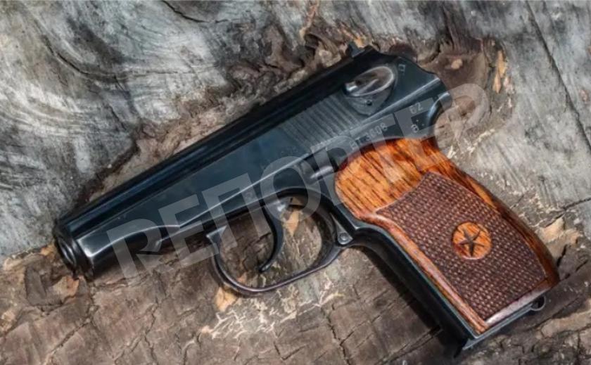 31 and life. В Днепре полисменша застрелилась из табельного оружия