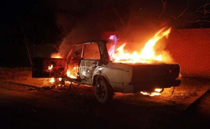 В Днепре продолжают сжигать машины?